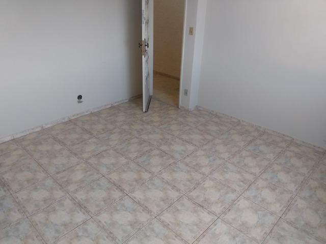 Vendo Vila da Penha apartamento 2 qts sem elevador vaga na escritura - Foto 4
