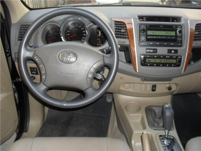 Toyota Hilux sw4 3.0 srv 4x4 7 lugares 16v turbo intercooler diesel 4p automático - Foto 5
