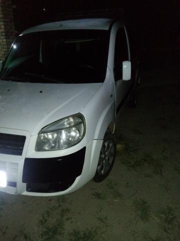 Vendo carro Doblo 8 lugares - Foto 2