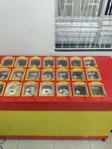 Vendo balcão de golozeima novinho - Foto 2