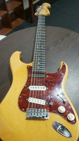 Guitarra Tagima custom