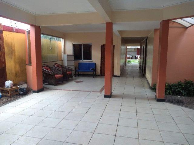 Linda mansão no centro de Castanhao por 1.800.000,00 - Foto 13