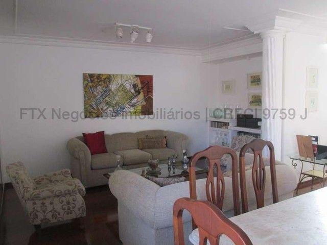 Casa Excelente de Esquina com Terreno 720m² na Rua da Paz - Foto 8