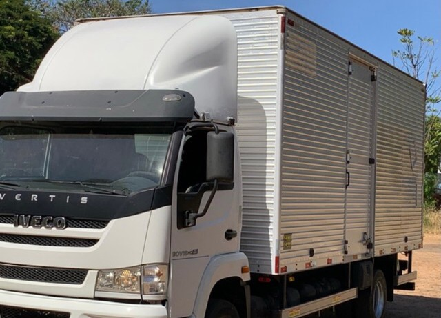 RI - Caminhão baú 3/4  - Foto 2