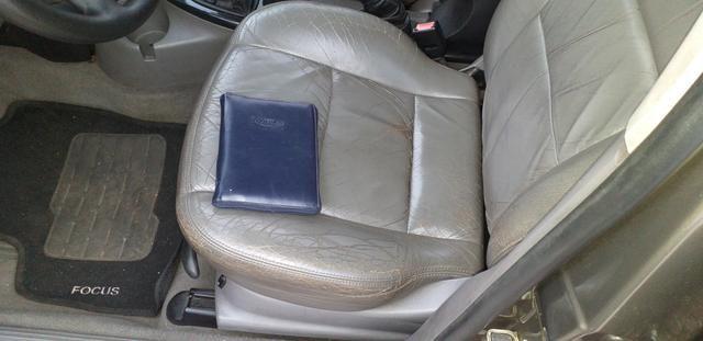 Focus Ghia Sedan 2001 - Foto 8