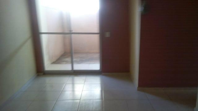 Aluga-se apartamento no condomínio Salinas