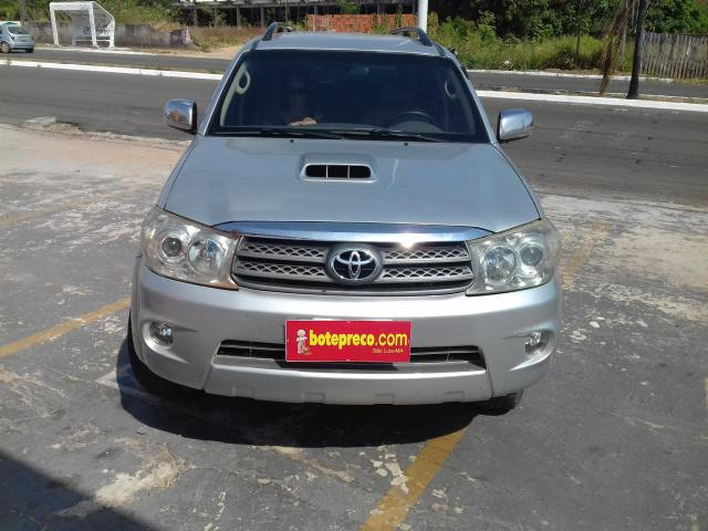 TOYOTA HILUX SW4 2009/2010 3.0 SRV 4X4 7 LUGARES 16V TURBO INTERCOOLER DIESEL 4P AUTOMÁTI - Foto 2