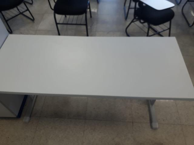 Mesas de professor Marzo Vitorino