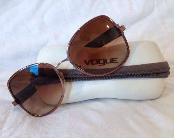 d015b2aec2e17 Óculos de sol Vogue - Bijouterias