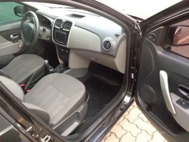 Renault Logan Expression 1.6 Flex - Foto 6