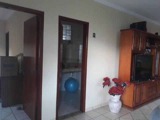 Vendo linda casa em condomínio fechado na DF 425(Pego sua casa no Setor de Mans?es!) - Foto 3