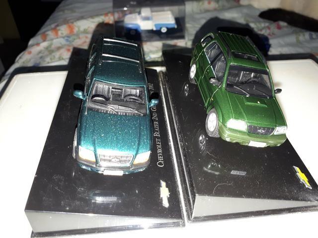 Kit 02 Miniatura Chevrolet Collecction Escala 1/43 Tracker/ Blazer - Foto 3