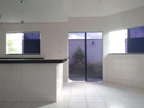 Casa excelente com 3 quartos grande - Foto 5