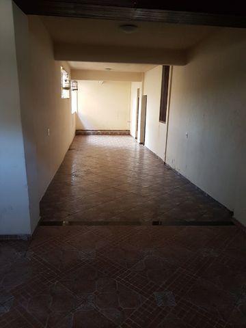 Casa com 4 quatros (3 suítes) / 3 vagas de garagem /terraço com churrasqueira - Foto 9