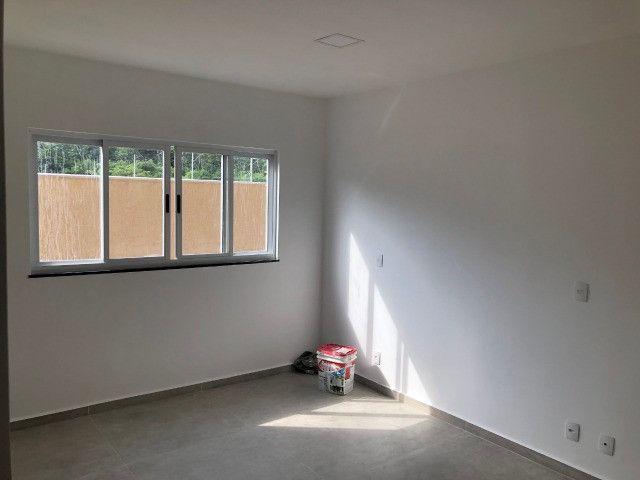 Código 45 - Linda casa em condomínio fechado em Inoã - Maricá-RJ - Foto 4