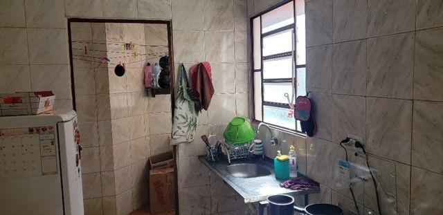 Com 03 quartos em frente ao Hospital Rosa Pedrossian - Foto 11