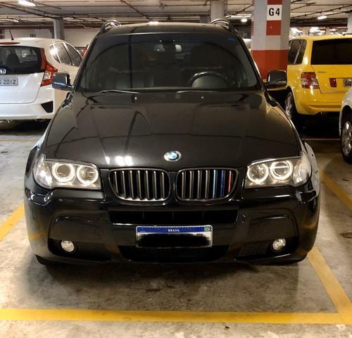 BMW X3 com teto solar panorâmico