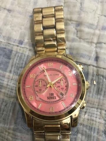 Relógio novo plastificado sem uso
