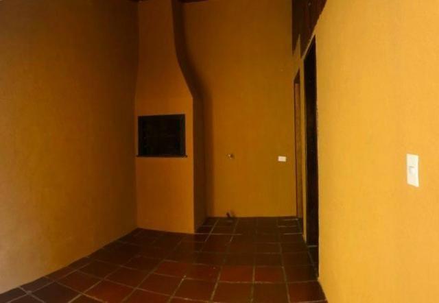 Sobrado: 3 quartos, ampla sacada e garagem coberta para 2 carros - Foto 18