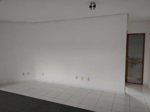 Casa excelente com 3 quartos grande - Foto 2