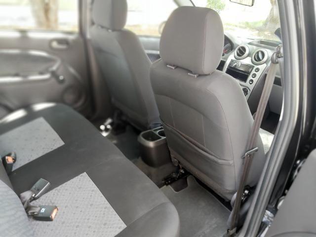 Fiesta Class 1.6 Hatch Completo - Foto 12