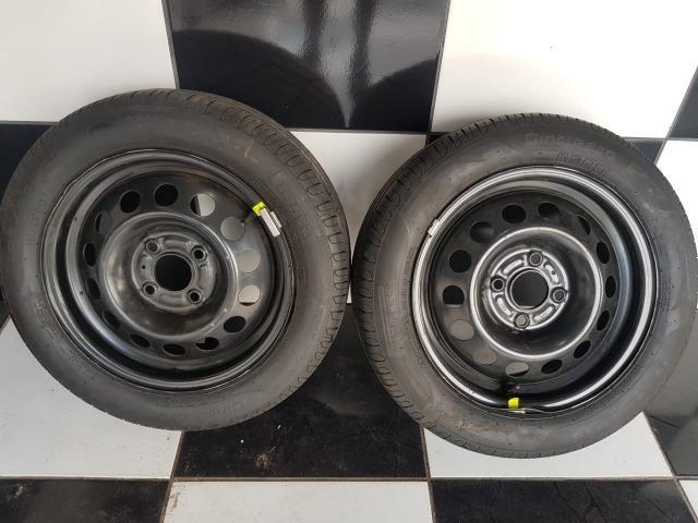 "Jogo de pneus Pirelli aro 15"""