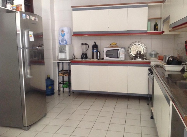 Alugo suíte mobiliada em residência familiar - Foto 11