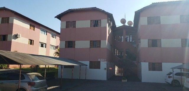 Com 03 quartos em frente ao Hospital Rosa Pedrossian - Foto 18
