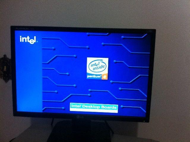 Usado - Processador Intel Pentium 4 3.00ghz/1m/800 sl7pm - Foto 3