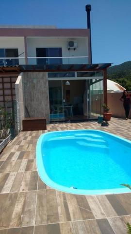 Casa para loca o na praia de palmas com piscina gov celso ramos aluguel casas e - Tv chat las palmas ...