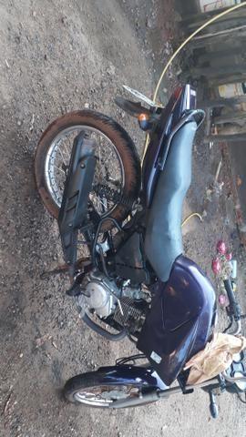 Vendo uma Yamaha 125 ano 2010 2011 - Foto 2