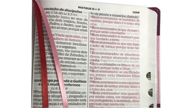 Biblia Feminina Mulher Letra Extragigante - Indice Lateral - Foto 3
