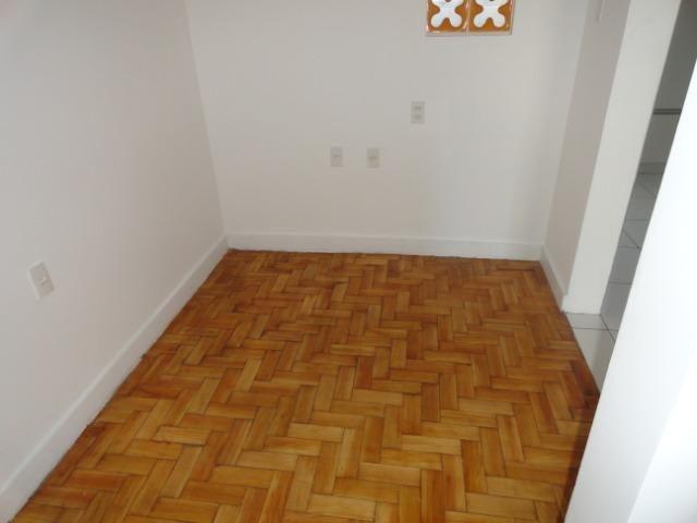 AP0303 - Apartamento com 3 dormitórios à venda, 108 m² por R$ 300.000 - Papicu - Foto 9