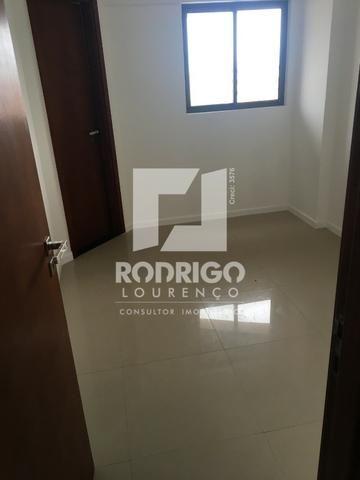 Na Ponta Verde com 99m², 03 Quartos e 02 vgs de garagem . Aceita Financiamento Bancário - Foto 14