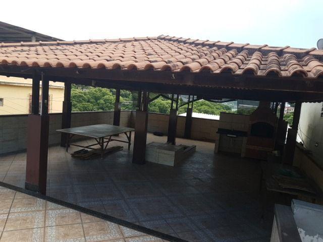 Casa com 4 quatros (3 suítes) / 3 vagas de garagem /terraço com churrasqueira