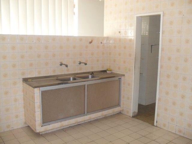 Excelente casa, com 04 quartos no Cambeba - Foto 9