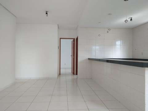 Casa excelente com 3 quartos grande - Foto 3