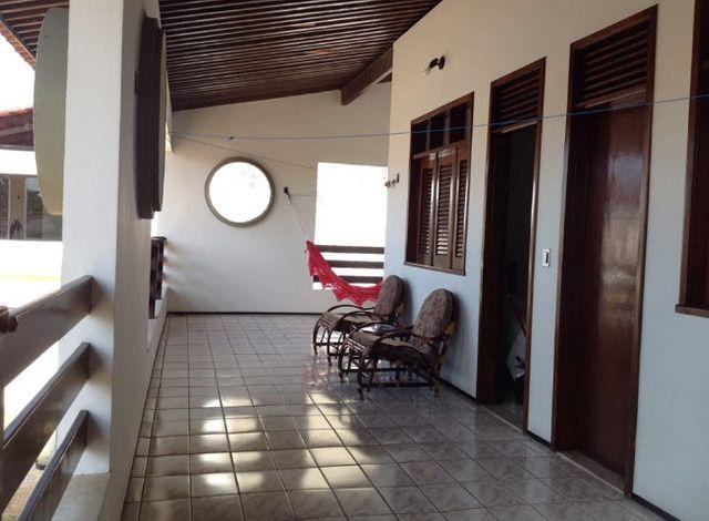 Alugo suíte mobiliada em residência familiar - Foto 8