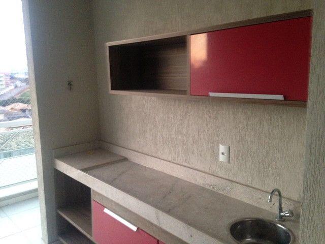 Bom apto de 03 quartos (01 reversível) no Alto da Glória - Foto 4