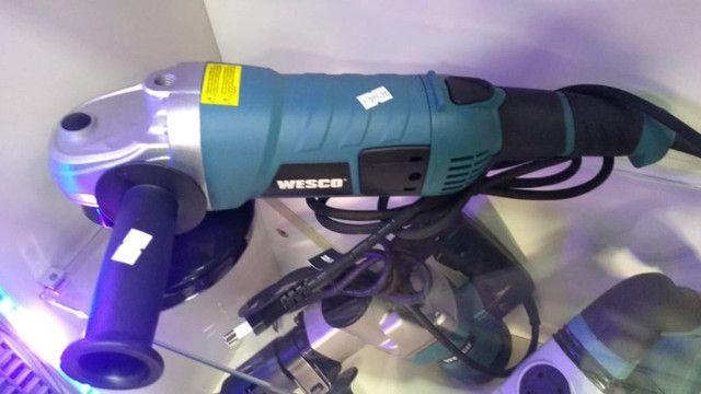 Esmerilhadeira angular Wesco WS4701 de 60Hz azul-turquesa 220V - Foto 2