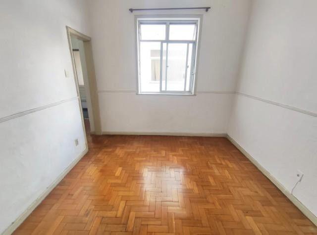 Apartamento - VILA ISABEL - R$ 900,00
