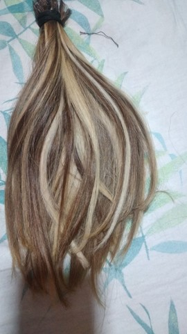 Vendo cabelo 80 gramas 35 centímetros
