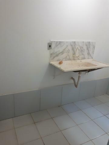 Aluga-se kitchenette