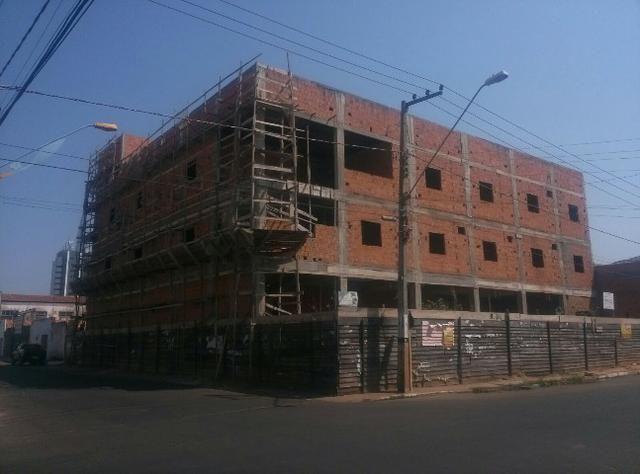 Vendo prédio comercial com terreno