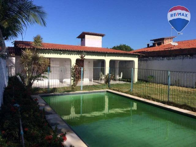 Casa com 4 quartos (2 suítes) com piscina