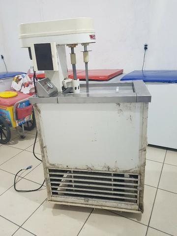 Máquina de de fazer sorvete (de massa) e picoleteira