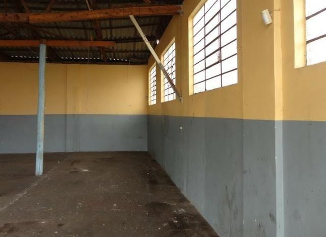 Pavilhão p/ estacionamentos, terreno e casa Centro 620 m2 Caxias do Sul - Foto 2