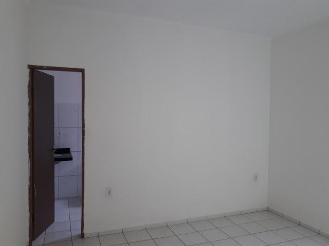 Vende-se ótima casa no bairro DNER, 3 quartos, 3 banheiros. ótimo preço 200 mil - Foto 12