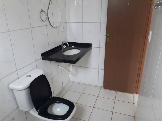 Vende-se ótima casa no bairro DNER, 3 quartos, 3 banheiros. ótimo preço 200 mil - Foto 13