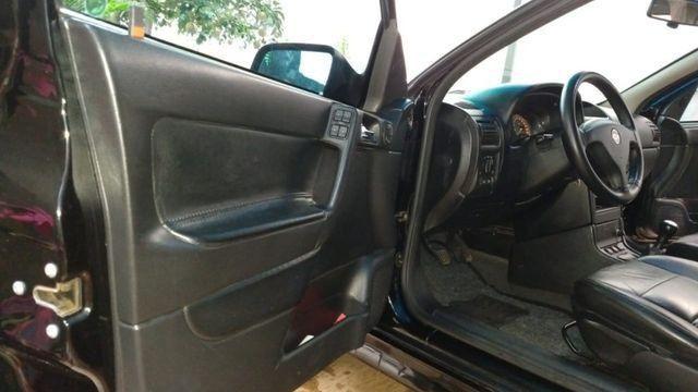 Vendo Astra Hatch 2.0 Completo Ar Direção Super Conservado! - Foto 5
